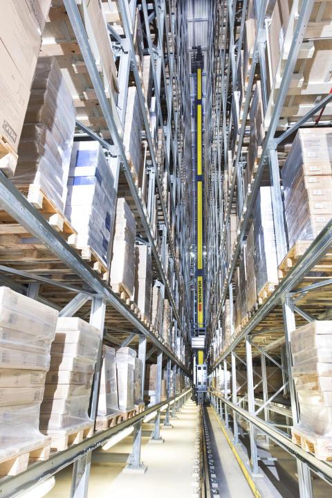 I det nye high højlager sikrer ti energieffektive dobbeltmastede Exyz-pallekraner effektiv udførelse af oplagrings- og hentningsprocesser