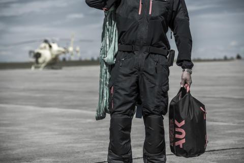 G1 Drybag on tarmac (hi res)