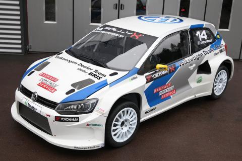 Volkswagen laddar för SM-premiären i rallycross