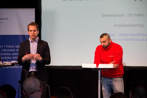 "Seminarium om radikalisering, 19.3.2015. Robert Örell och Payam ""Peppe"" Boroodjeni, Fryshuset."