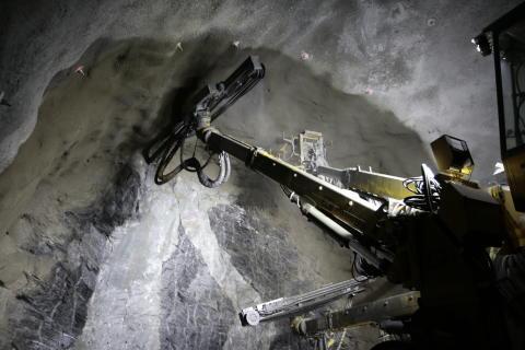 Lang tunnel