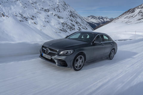 Mercedes-Benz EQ Power: Ladbar C-Klasse med 4MATIC er klar for bestilling