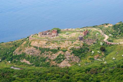 Hammershus - luftfoto, borgen tættere på