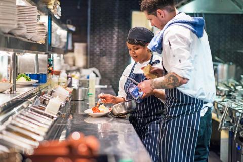 Scandic startar kockutbildning för att bota personalbrist