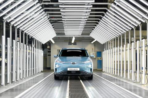 Starter elbilproduksjon ved en av Europas mest moderne bilfabrikker