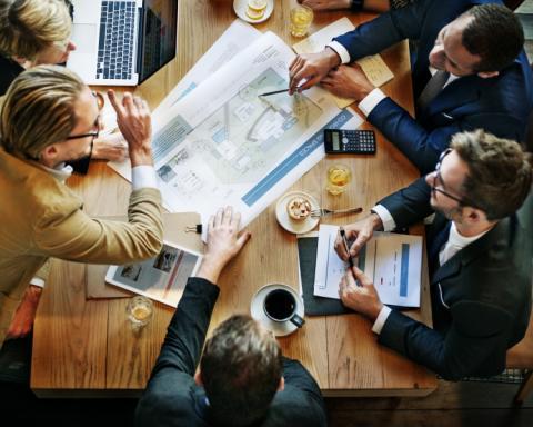 Azets laajentaa liiketoimintaansa isännöintiin ostamalla Isännöitsijätoimisto Jarmo Rantamäki Oy:n