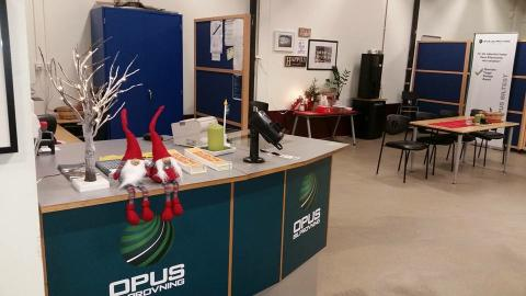 God Jul & Gott Nytt År önskar vi på Opus Bilprovning