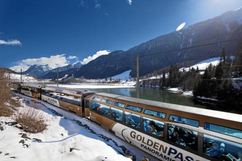 """Mit der """"Swiss Travel Map"""" von Swiss Travel System die Schweiz mit Bahn, Bus und Schiff erfahren"""