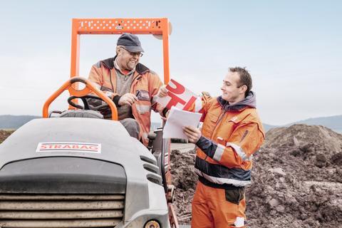 Deutsche Asphalt präsentiert modernisierte Asphaltmischanlage Hamburg Peute mit einem Tag der offenen Tür