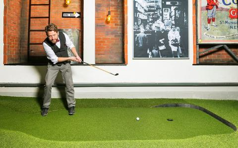 Swing by Golfbaren