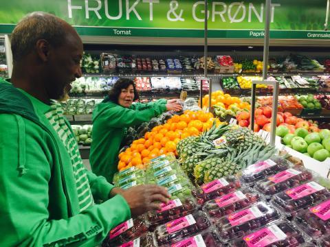 Hege Nielsen og Abdirahman Hassan trives allerede i grønt