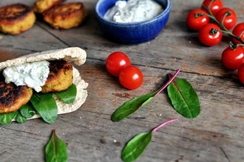 Økologisk middag i piknikkurven