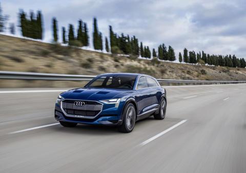 Audi e-tron quattro concept - dynamic front left
