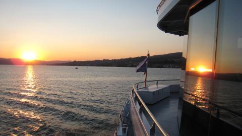 Sonnenuntergang auf der Panta Rhei. Copyright: Zürichsee Schifffahrtsgesellschaft