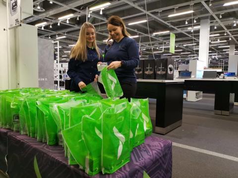 Gigantin ja Huawein tekoälyseminaari Tyttöjen Talon kävijöille taistelee digitaalista eriarvoistumista vastaan – pääpuhujana Linda Liukas