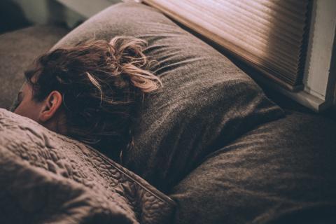 Hvordan ivareta døgnrytme og god søvn under koronakrisen?