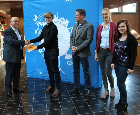 Studentische Forschungsgruppe sO2lutions übergab 1. Umweltbericht der Technischen Hochschule Wildau