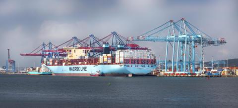 Fartyg som håller tiden sparar miljön