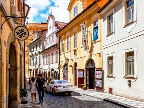 Prag_denis-vdovin-1338120-unsplash