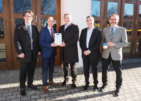 Stadt Auerbach wird zum Technologie-Pionier – das erste intelligente Messsystem des Bayernwerks geht in Auerbach in Betrieb