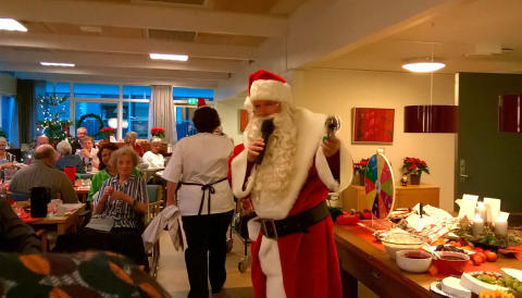 Hele 20 julemænd kom til julefest på Lokalcenter Bøgeskovhus