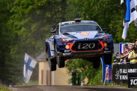 Neuville tar ledningen i 2017 FIA World Rally Championship (WRC)