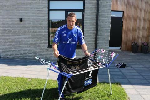 Selv om man er Danmarksmester skal der stadig vaskes tøj