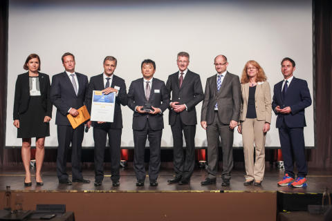 """ROHM Semiconductor Receives from Continental """"Supplier of the Year 2014 Award"""""""