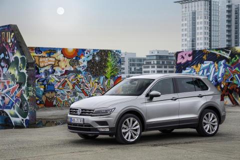 Registreringsafgiften sænkes og kommer en række Volkswagen-modeller til gode, her fx den nye Tiguan, der reduceres med 10.710 kr fra på tirsdag