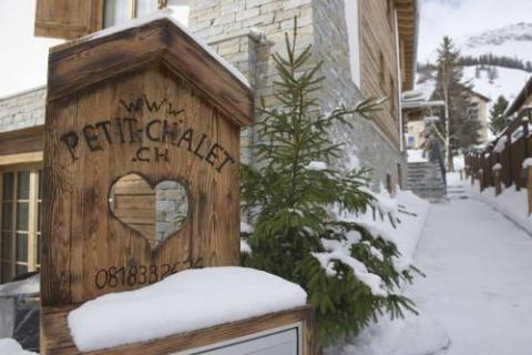 EIN EINZIGARTIGES HIDEAWAY IN ST. MORITZ: HOTELINO PETIT CHALET, CELERINA
