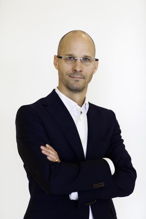 Niklas Truedsson tar ledningen för Risenta