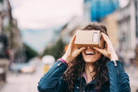 Slik gjør du mobilen din om til en VR-brille