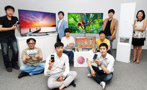 IDEA winning products and LG designers