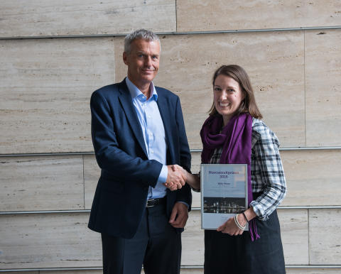 Førsteamanuensis Kelly Pitera ved NTNU vant Norconsultprisen 2016