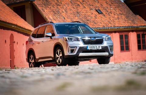 Uusi Subaru Forester e-Boxer loppuvuodesta Suomeen