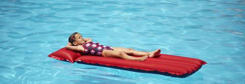 Teller ned til ferien: Hit reiser barna i sommer