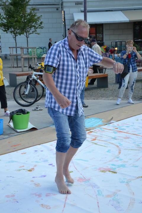 Bostadsbolagets och TILLTs konstprojekt Korsa Spår 2012