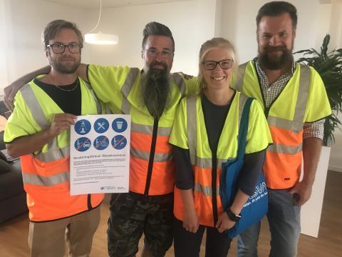 NSVAs personal fortsätter informera om bevattningsförbudet på plats i Torekov
