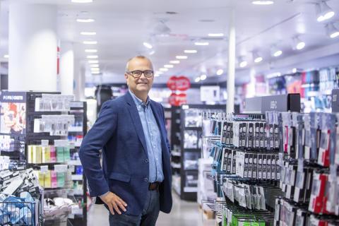 Clas Ohlson vil gi kundene raskere levering og nye tjenester  – ansetter ny direktør for ekspansjon og forretningsutvikling.