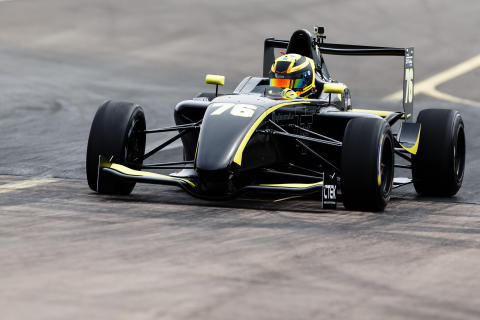 Lundqvist ute efter fler segrar i Formula STCC Nordic
