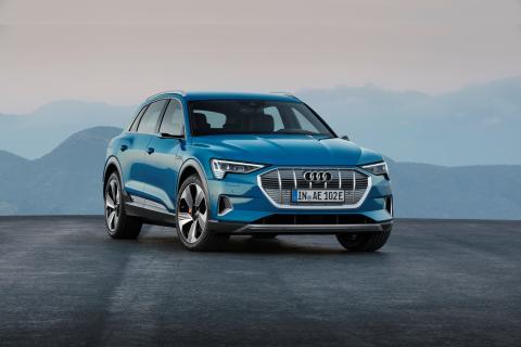 Verdenspremiere på Audi e-tron – elektrificeret køreglæde