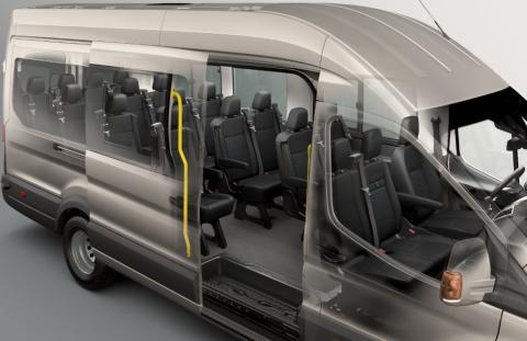 A Ford bemutatkozik a Busz Expón. A Ford 18 személyes Transit Minibus alacsonyabb fogyasztást, magasabb szintű kényelmet és biztonságot ígér