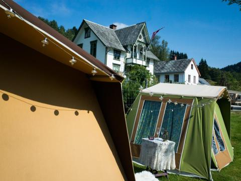 """Zelt oder Villa? Die Gäste des """"Mimi goes Glamping""""-Festivals haben die Wahl"""