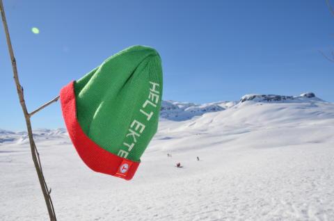 Hitta kärlek i norska fjällen med nya regnbågsmössan