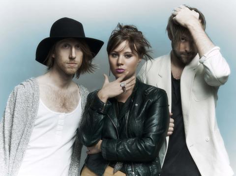 USA Today presenterar svenskt singel släpp.