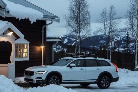 Volvo V90 Cross Country by the Get Away Lodge