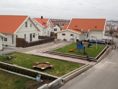 Ny lekplats från KOMPAN på Förmansgatan i Kungshamn.