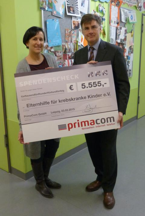 Spendenscheck-Übergabe an den Verein Elternhilfe für krebskranke Kinder e.V. in Leipzig