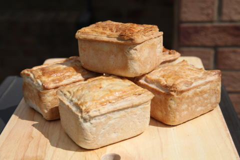 'ENGLAND'S BEST STEAK PIE COMPETITION 2013' CATEGORY WINNERS ANNOUNCED