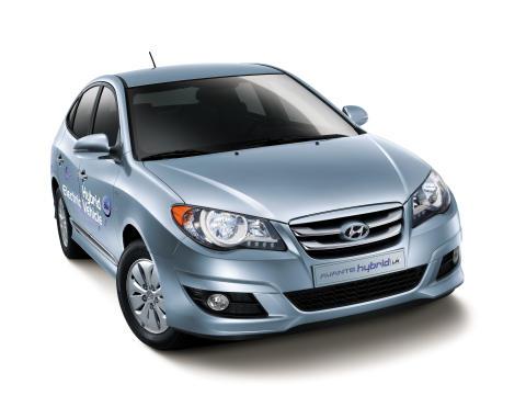 Säljstart för Hyundais nya gas- och eldrivna hybridbil